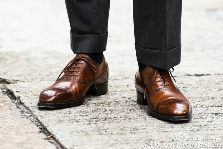 Roberto Ugolini认为,鞋是应该穿在脚上欣赏,多于放在手上品评