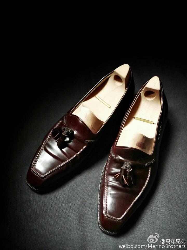 马臀皮乐福鞋,配上Roberto Ugolini的方头楦形,堪稱完美!