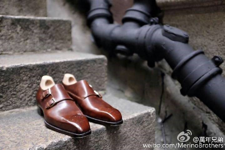 这款wholecut双扣孟克鞋,自做了第一双后,大受欢迎