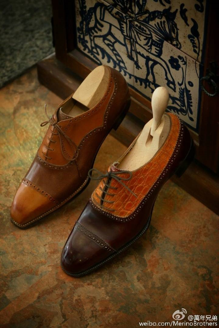 不同颜色或材质拼合而成的Spectator/Galosh牛津鞋
