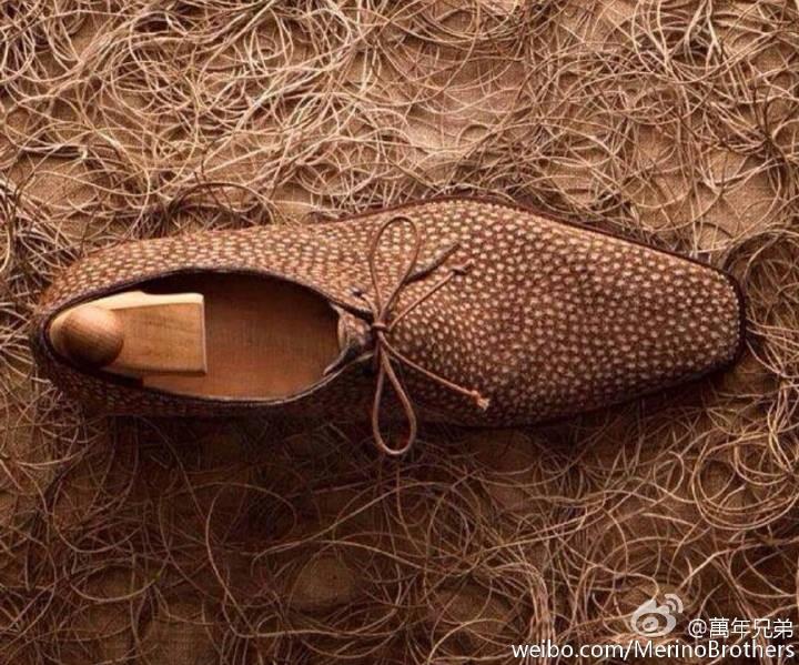 充满个性的水豚皮Carpincho一孔德比鞋