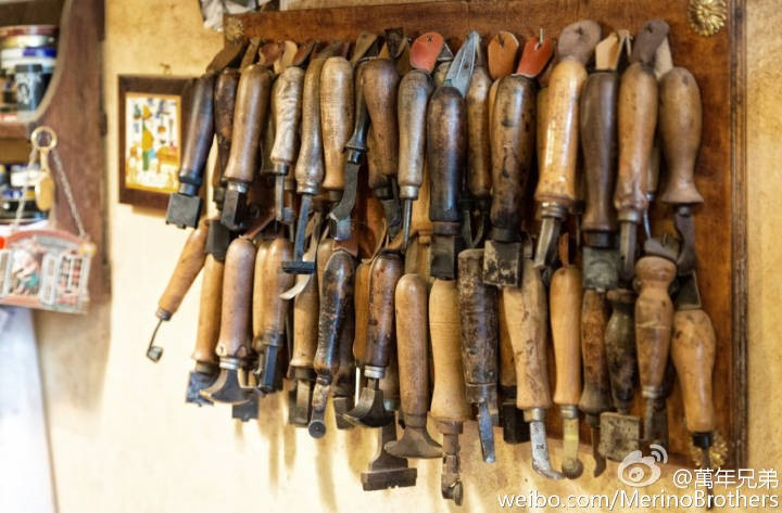 各式各样的的制鞋工具